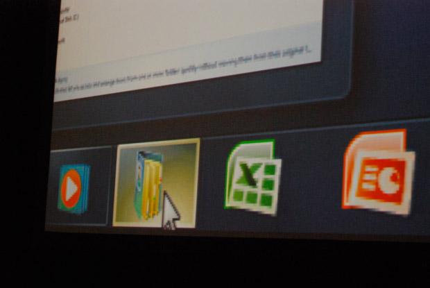 Windows 7 Taskbar Hover